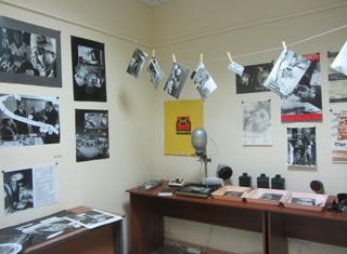 В краеведческом музее Дубны второй месяц идет выставка трех фотохудожников