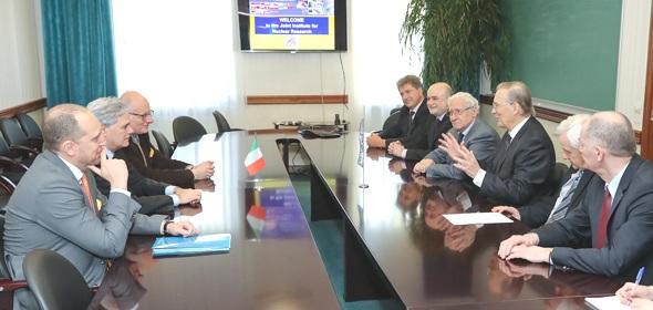 Посол Италии в России Чезаре Мария Рагальини совершил свой первый визит в ОИЯИ