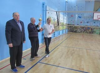 Волейболисты ОИЯИ опробовали отреставрированный спортзал