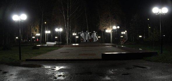Сквер Журавлева и парк Авиастроителей в Дубне осветили заново
