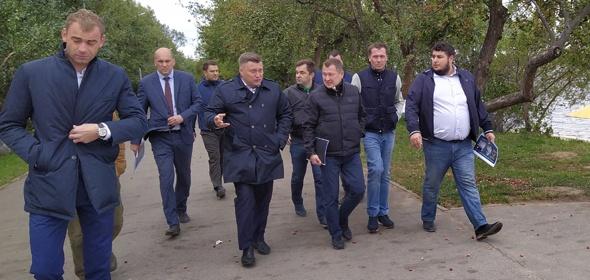 Министры проверили ход работ по благоустройству Менделеевской набережной в Дубне