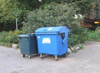 С понедельника в Дубну вернутся синие контейнеры для твердых коммунальных отходов