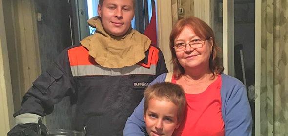 Мальчик закрылся в квартире на улице Макаренко в Дубне, потребовалась помощь спасателей